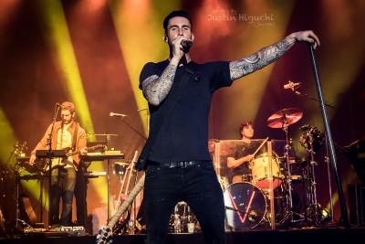 {Maroon 5}