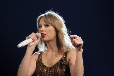 {Taylor Swift}