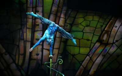 {Cirque du Soleil - TORUK}